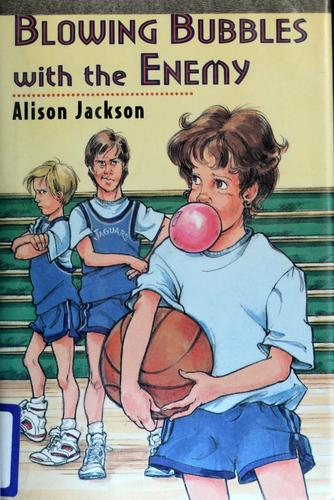 Blowing bubbles with the enemy by Alison Jackson, Alison Jackson